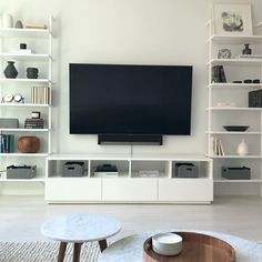 The 50+ Best Entertainment Center Ideas - Home and Design - Next Luxury Built In Shelves Living Room, Living Room With Fireplace, Room Shelves, Modern Entertainment Center, Entertainment Room, Flat Interior, Room Interior Design, Living Room Modern, Living Room Designs