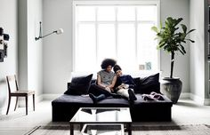 The Kinfolk Home: Interiors for Slow Living Simple Interior, Decor Interior Design, Interior Decorating, The Kinfolk Table, Kinfolk Magazine, Living Spaces, Living Room, Couch, Slow Living