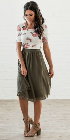 Moss Green Skirt. Olive Green Skirt. Flirty and Fun Skirt. Elastic Waist. Missy sizes. Modest Length Skirt. Gathered waist skirt. Side Zipper. Modest Skirt. Fun for Bridesmaids. Sister Missionary Clothes. Missy sizes. Trendy Skirt.