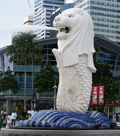The #Merlion, Singapore's best known icon, is a legendary creature that is half a lion and half a fish... Click on the image to learn what is the story behind it...