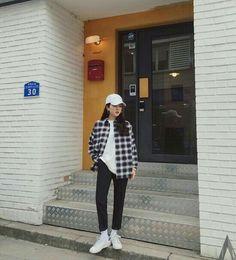 Korean Daily Fashion- Outdoor Look in Autumn Popular Autumn Fashion in Korea Light blue sweater with skinny jeans Striped. Korean Fashion Trends, Korean Street Fashion, Korea Fashion, Asian Fashion, Daily Fashion, Trendy Fashion, Fashion Outfits, Fashion Ideas, Style Fashion