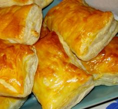 My Favorite Food, Favorite Recipes, Pizza And More, Mini Sandwiches, Puff Pastry Recipes, Baked Chips, Portuguese Recipes, Fish Dishes, Gastronomia