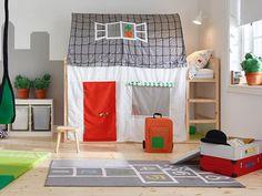 Двусторонняя кровать КЮРА служит не только для сна – это настоящий дом для веселья! Внизу можно оборудовать пространство для игр, а сверху – спальное место. Полог из этой же серии добавит сходства с настоящим домиком. На фото: двусторонняя кровать КЮРА (12999.-), полог с драпировкой КЮРА (1999.-) #IKEA #ИКЕА #ИКЕАРоссия #будьтетакдома