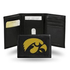 Sporty, sleek and compact! A classic tri-fold leather wallet built with organization and durability in mind. Its interior contains multifunctional pockets, plastic picture holder and full length billfold. A handsome wallet with Hawkeyes pride. Leather Trifold Wallet, Best Wallet, Iowa Hawkeyes, Nebraska Cornhuskers, Photo Holders, Id Holder, Card Holders, Black Leather