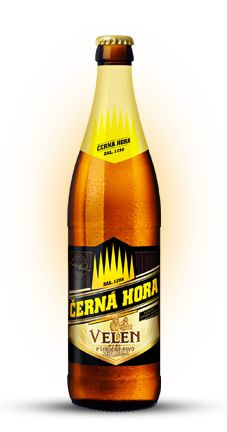 Cerveja Černá Hora Velen , estilo German Weizen, produzida por Pivovar Cerná Hora, República Tcheca. 4.8% ABV de álcool.