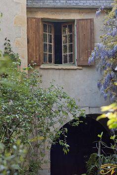 A la fenêtre... Qui voyez vous ?