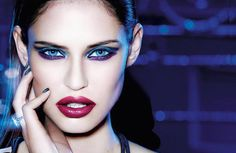 Blue Chip - Italian TopModel Bianca Balti poses in a new campaign for L'Oréal Paris' Million Carats limited edition holiday line Bianca Balti, Beauty Secrets, Beauty Hacks, Beauty Ideas, Purple Smokey Eye, Purple Eyeshadow, Eyeshadow Makeup, Latest Makeup Trends, Lisa