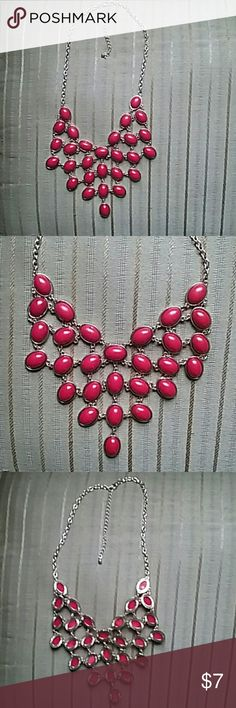 Selling this Red & Gold necklace on Poshmark! My username is: jetth. #shopmycloset #poshmark #fashion #shopping #style #forsale #Jewelry