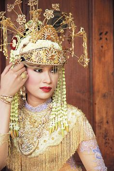 Betawi's bride in white