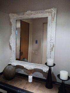 Tonalidades blancas acorde con la decoración de la habitación.