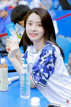 Nara, Korean Actresses, Korean Actors, K Beauty, Asian Beauty, Kpop Girl Groups, Korean Girl Groups, Prity Girl, Portrait Poses
