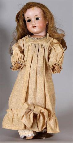 Antieke Duitse porseleinen pop Armand Marseille 390 A3M slaapogen, open mond, 4 tanden echt haar pruik, gelede lichaam, oude kleertjes 48cm Cond:G