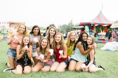 Central Pennsylvania Senior Photographer Brianna Wilbur photographed senior girls at local, fun, colorful carnival Group Pictures, Senior Pictures, Fair Photography, High School Seniors, Wedding Portraits, Portrait Photographers, Pennsylvania, Carnival, Cute Outfits