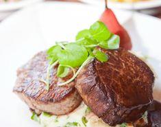 Hertenbiefstuk met wildsaus en waterkersmousseline Meat Lovers, Steak, Dishes, Jam Jam, Recipes, Foods, Drinks, Kitchen, Game