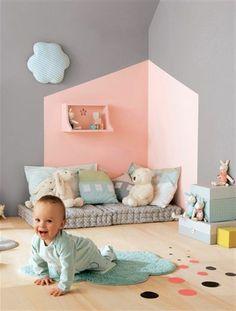 accord couleur chambre rose pale   chambre-bebe-mur-rose-gris-meubles-dans-la-chambre-bebe-sol-en-parquet