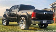 Custom Chevy Trucks, Lifted Chevy Trucks, Gm Trucks, Pickup Trucks, 2006 Chevy Silverado, Silverado Truck, Chevy 4x4, Lowrider Trucks, Harley Bikes