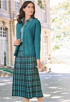 Modest Dresses, Modest Outfits, Skirt Outfits, Modest Fashion, Skirt Fashion, Trendy Outfits, Women's Fashion, Pleated Skirt, Dress Skirt