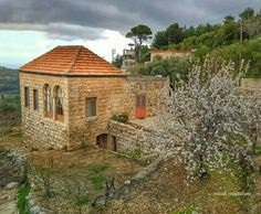 MPOWER/// Lebanese houses Old House Design, Mount Lebanon, Overseas Travel, Building Designs, Good House, Old Buildings, Traditional House, Architecture, Beautiful World