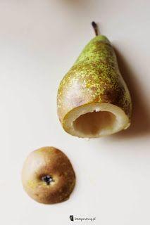Kreatywnepiny: Gruszka Goplany duszona w czerwonym winie z nadzieniem fudge o smaku czekolada-pistacja Pear, Fruit, Food, Essen, Meals, Yemek, Eten, Bulb