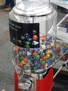Dungens And Dragons, Dungeons And Dragons Dice, Board Game Cafe, Board Games, Tabletop Rpg, Tabletop Games, Dragon Dies, Dado, Pen And Paper