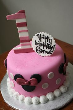 something small for the little one. cake minnie birthday 1 pink