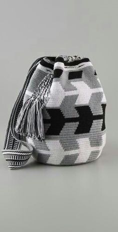 """New Cheap Bags. The location where building and construction meets style, beaded crochet is the act of using beads to decorate crocheted products. """"Crochet"""" is derived fro Crochet Shell Stitch, Bead Crochet, Crochet Handbags, Crochet Purses, Mochila Crochet, Tapestry Crochet Patterns, Tapestry Bag, Boho Bags, Cheap Bags"""