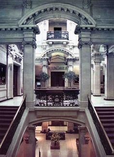 The first floor rotunda