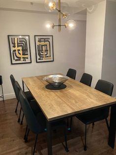 TABLE KAMOURASKA - MERISIER - DORÉE - 72'' X 38'' X 1.5'' ÉPAIS - CHAISES LAZARUS #table #kamouraska #lusine #merisier #doree #patteuinverse #chaise #lazarus