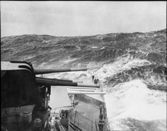 Heavy seas seen astern of HMS SHEFFIELD during a voyage in northern waters. Naval History, Military History, Capital Ship, Merchant Navy, Old Port, Royal Marines, Navy Ships, Aircraft Carrier, Royal Navy