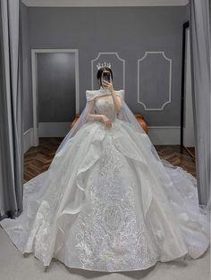 Pretty Quinceanera Dresses, Cute Prom Dresses, Ball Dresses, Pretty Dresses, Beautiful Dresses, Elegant Dresses, Princess Ball Gowns, Princess Wedding Dresses, Dream Wedding Dresses