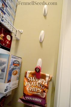 Get those Bags of Chips Off the Pantry Shelf – A New Way to Organize Bags of Chips Here is how I hang my bags of chips in the pantry. I can easily see what I have and it frees up a lot of shelf space. - Own Kitchen Pantry Kitchen Buffet, Kitchen Pantry, Kitchen Ideas, Kitchen Design, Kitchen Reno, Kitchen Hacks, Kitchen Stuff, Kitchen Gadgets, Pantry Storage