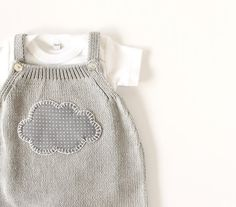 Knitted overalls in gray with a cloud.