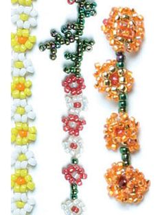 Daisy Chain tutorial by Dustin Wedekind. This classic off-loom bead-weaving stitch can be made with so many fun, floral variations!