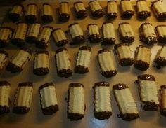 Pudinkové tyčinky Desserts, Food, Tailgate Desserts, Deserts, Essen, Postres, Meals, Dessert, Yemek