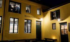 BAKGÅRDSSJARM: Restaurant Kamai finner du i bakgården i Korsgata 25. Gå ikke feil. Kamai har også en kafe som vender mot gata. Foto: John T. Pedersen