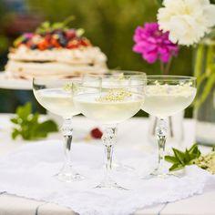 Fläderdrink med grapefrukt och gin.