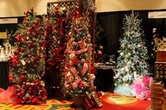 Google Image Result for http://www.flowershopnetwork.com/blog/wp-content/uploads/2011/08/fancy-christmas-trees.jpg