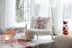 Tällaisen toteutuksen Satu (All You Need is White) teki kotonaan joulumme 2014 tuotteilla kattauksen osalta.
