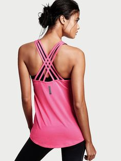 Shed Layers While You Crush Workouts in These Gorgeous Active Tanks Funny Workout Shirts, Workout Humor, Workout Tank Tops, 20 Minute Hiit Workout, Full Body Hiit Workout, High Intensity Workout, Victoria Secret Sport, Fitness Fashion, Fitness Style