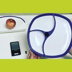 بشقابی که کالری غذاها را محاسبه میکند  یک بشقاب پلاستیکی هوشمند میتواند کالری غذای موجود را برای جلوگیری از پرخوری محاسبه کند. بشقاب هوشمند که توسط شرکت آمریکایی Fitly تولید شده از سه دوربین دیجیتال برخوردار است که از محتوای غذا عکس میگیرند. این تصاویر توسط وایفای یا بلوتوث به یک دستگاه متحرک ارسال میشود و سپس این اطلاعات را برای مقایسه به بانک بزرگی از تصاویر به منظور تعیین مواد موجود در غذا میفرستد.  یک ترازوی پنهان در بدنه بشقاب به اندازهگیری وزن غذا پرداخته و آن را با پایگاه داده برای…