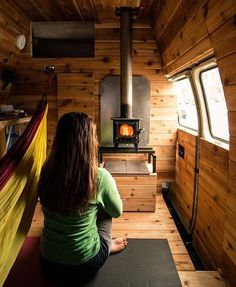 Need a way to stay cozy and warm in your camper van conversion this winter? This Cubic Mini wood burning stove is perfect for your campervan interior. You'll want to live the van life all season with this wood stove camping hack! Truck Camper, Kombi Motorhome, Mini Camper, Camper Stove, Sprinter Van Conversion, Camper Van Conversion Diy, Van Conversion Wood Burner, Van Conversion Interior, Mini Wood Stove