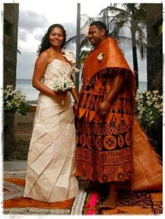 Great way to mix European and Fijian traditional dress - Fiji wedding ceremony Island Wedding Dresses, Island Weddings, Wedding Wear, Wedding Attire, Spring Wedding, Wedding Ceremony, Traditional Wedding Dresses, Traditional Outfits, Tapas