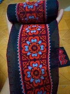 Cross Stitch Borders, Cross Stitch Rose, Cross Stitch Flowers, Cross Stitch Designs, Cross Stitch Patterns, Simple Embroidery, Cross Stitch Embroidery, Hand Embroidery, Embroidery Designs