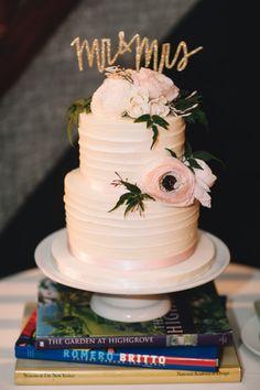 Blush cake: http://www.stylemepretty.com/new-york-weddings/new-york-city/manhattan/2015/05/27/whimsical-elegant-wedding-at-housing-works-bookstore-cafe/ | Photography: Brindamour - http://www.rimabrindamour.com/