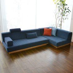 Sofa Bed Design, Living Room Sofa Design, Living Room Designs, Diy Pallet Furniture, Home Decor Furniture, Furniture Design, Diy Sofa, Wooden Sofa Designs, Wooden Couch