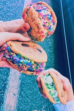 These cookies look so yummy! Cute Food, I Love Food, Good Food, Yummy Food, Yummy Treats, Sweet Treats, Def Not, Cute Desserts, Food Goals