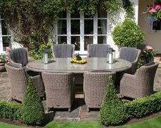 Lovely Rattan Furniture for Your Home. Rattan-based furniture is widely used in Asia, because rattan raw materials can easily be found there. Rattan furniture can give an antique or mode. All Weather Garden Furniture, Rattan Outdoor Furniture, Pallet Garden Furniture, Wicker Table, Wicker Man, Wicker Couch, Wicker Trunk, Wicker Headboard, Wicker Planter