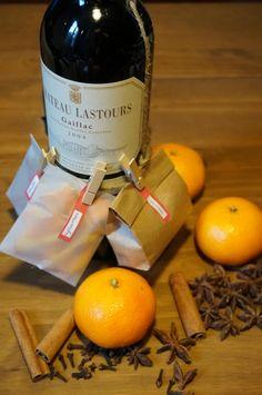 Le vin chaud me fait instantanément penser au marché de Noël. Je sais que le jour de l'ouverture du marché de Noël à Toulouse, sur la place du Capitole, j'irai faire un tour pour boire mon premier ...