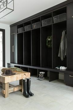 mountain mud room inspiration with dark cabinetry and open locker storage. Take a tip from studio mcgee and create a perfect mudroom space. Mudroom Laundry Room, Farmhouse Laundry Room, Laundry Room Design, Mudroom Cubbies, Mudroom Cabinets, Design Bathroom, Modern Mountain Home, Mountain Homes, Big Mountain