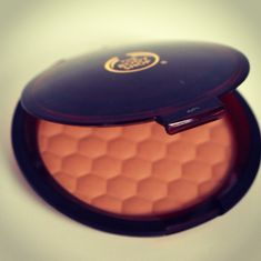 Extraordinary that The Body Shop's Honey Bronze Powder has turned